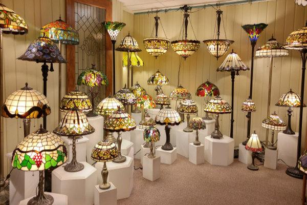 Conception vente lampes tiffany montr al for Andrieux la maison du vitrail